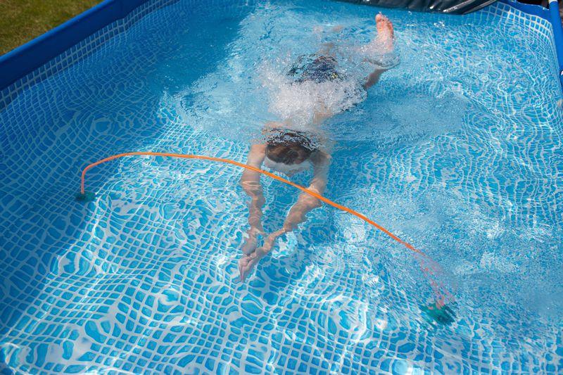 juego de piscina de buitenspeel